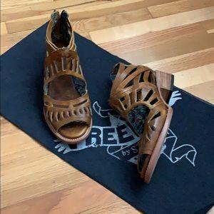 Freebird Ponce Sandals